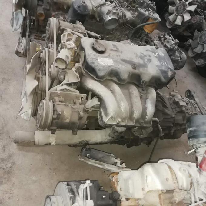 Nissan Td42 Japanese Take Out Engines Td42t Td42ti In Good Condition 4